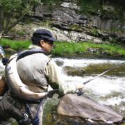 Pesca de salmón en el Esva en Asturias