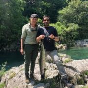 Salmón en el río Sella coto La Cruz